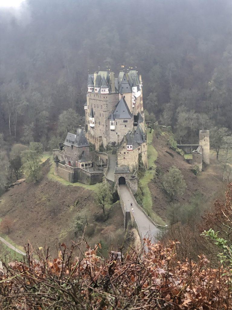 Die Burg Eltz von Oben gesehen - Während meines Trailrun